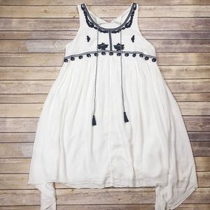NEW Charming Charlie Embroidered Dress size XL